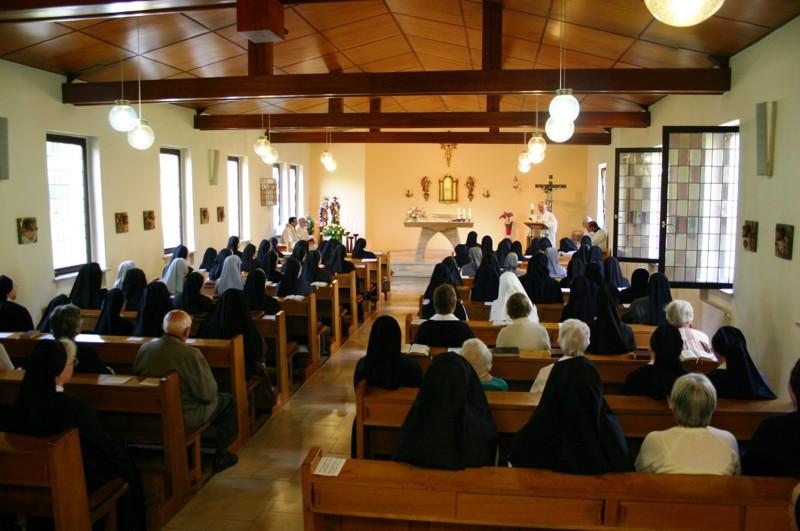 Herr Bischof Dr. Heiner Koch feierte mit uns die Heilige Messe