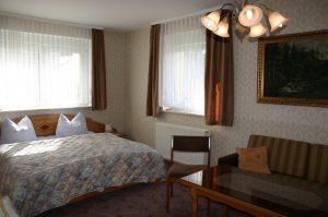 """Doppelzimmer im Gästehaus """"St. Elisabeth"""""""