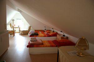 Jugend-Mehrbetten-Zimmer