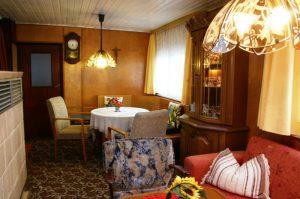 Ferienhaus - Essecke im Wohnzimmer