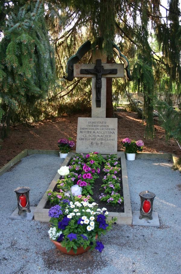 Grab der Gründerin