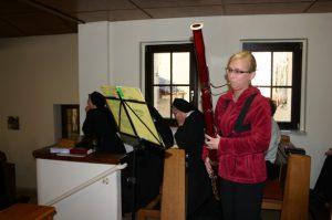 Katharina spielt zur Ehre Gottes und uns zur Freude