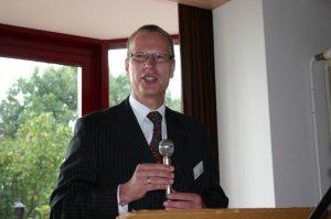 Vorsitzender des Freundeskreises - Herr Dr. Hertzsch - begrüßt ...