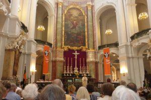 Heilige Messe mit Herrn Bischof Heinrich am Abend