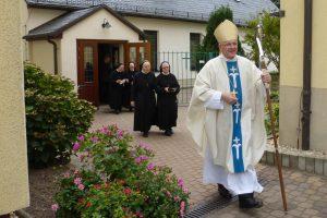 Auszug nach der Heiligen Messe