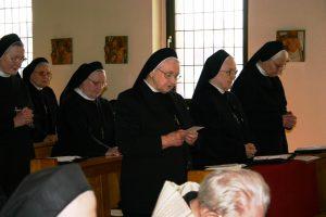 Schwester Andrea erneuert ihre Gelübde
