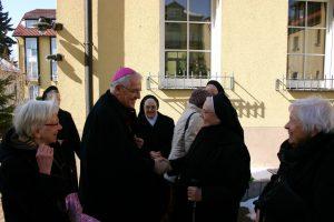 Herr Bischof gratuliert
