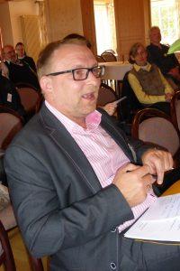 Vertreter - Herr Cording