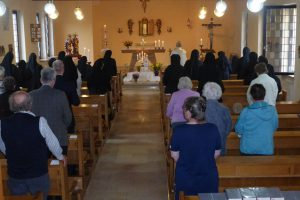 Jesus ist im Allerheiligsten Altarssakrament unter uns