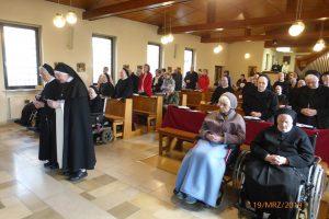 Schwester Christophora bei der Gelübdeerneuerung