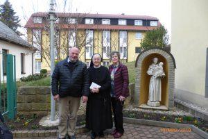 Schwester Winfrieda mit ihren Verwandten