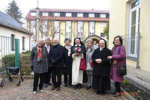 Schwester Christophora im Kreise ihrer Verwandten und Bekannten